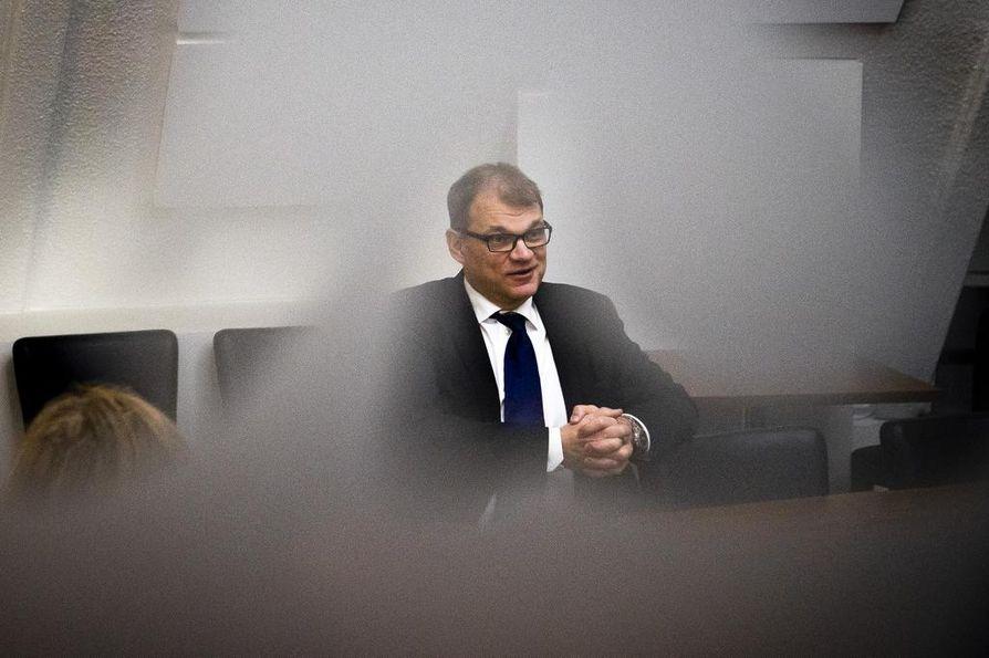 Pääministeri Juha Sipilä (kesk.) sanoo, että vaalein yhdistäminen helpottaisi äänestäjien vaaliähkyä.