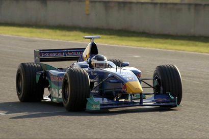 """F1-kausi jatkuu viikonloppuna Italian Mugellossa radalla, jossa Kimi Räikkönen testasi ensimmäisen kerran F1-autoa 20 vuotta sitten – """"Pää ei pysynyt pystyssä"""""""