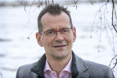 """Stora Enson tehdastyömaalta levinneiden tartuntojen kokonaiskuva ei ole vielä tiedossa – Terveysjohtaja Mäkitalo: """"Aktiivisilla toimilla ryväs lopulta tukahtuu"""""""
