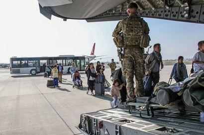 Suomi antaa kolmen miljoonan euron avustuksen afgaanipakolaisten auttamiseksi humanitaarisen avun päivänä