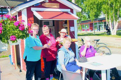 Tietopiste on torin keskipiste – kyläyhdistyksen kahvilasta saa rakkaudella keitettyä kahvia