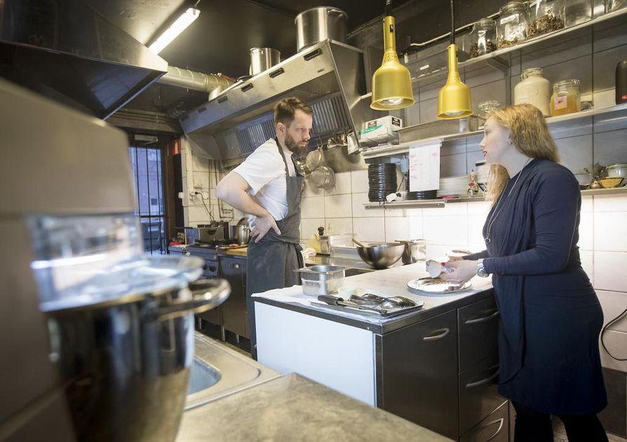 Jussi Kurkelan ja Jenny Marjakankaan ravintolassa ruokaa tehdään sesongin parhaista raaka-aineista.