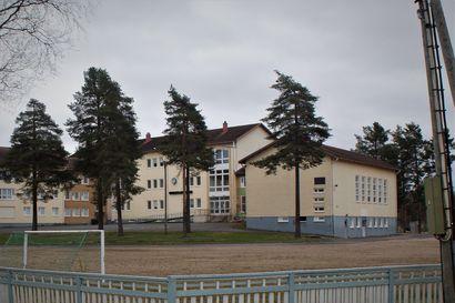 Vuonna 1850 Pudasjärvellä avattiin Pitäjän Laina Kirjasto, jota pyörittänyt lukkari vuokrasi pieniä kirjoja kopeekalla, isompia kolmella –171 vuotta myöhemmin kirjasto palasi juurilleen