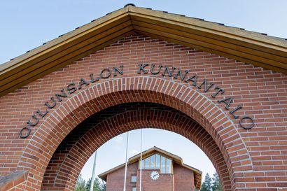 Oulunsalon entinen kunnantalo myydään – myös Salonpään koulu myytävien kiinteistöjen listalla