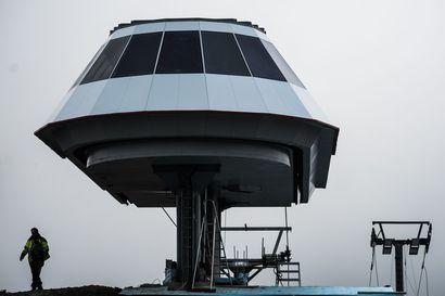 Kaksi hissiä toimii Rukalla, yksi odottaa varaosaa Saksasta