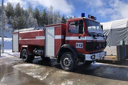 Kainuun pelastuslaitos huutokauppaa käytettyä kalustoaan Huutokaupat.com-sivustolla – myynnissä muun muassa pari paloautoa ja moottorikelkka