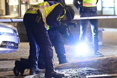 Ruotsin eilisen epäillyn terroriteon uhreista kolme sai hengenvaarallisia vammoja – kaksi muuta uhria haavoittui vakavasti