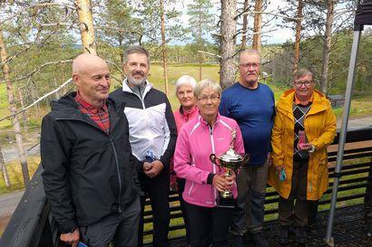 Golf on koukuttava peli, tuumivat Koillisgolfin pelaajat, kun he kävivät Kuusamossa ottamassa mittaa toisistaan