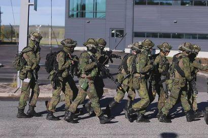 Puolustusvoimien harjoitus Rovaniemen lentoasemalla