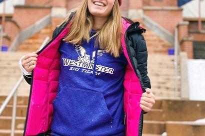 Julia Toiviainen siirtyi Amerikan rinteisiin - Levin maailmancupin peukalovamman parantelu vaihtui opiskeluun ja alppihiihtoon Salt Lake Cityssä