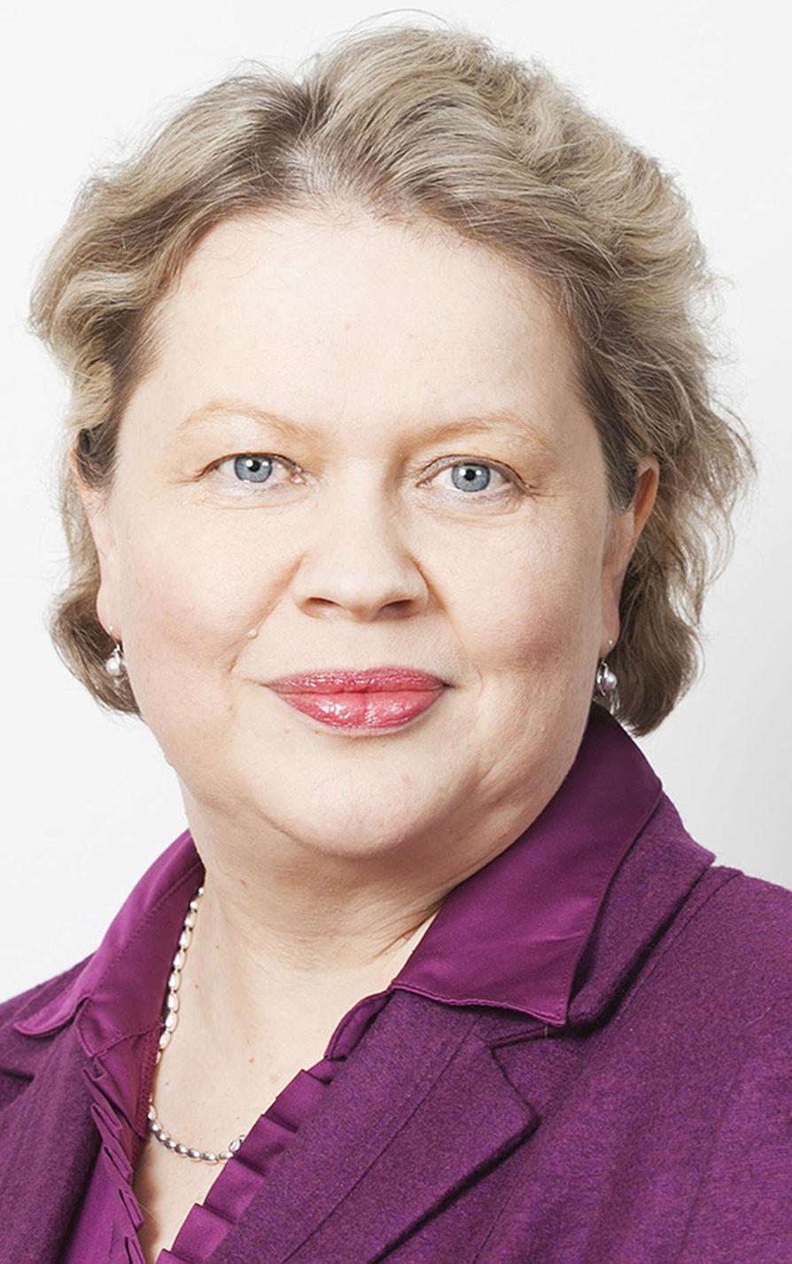 Elinkeinoelämän keskusliiton työmarkkinat-vastuualueen asiantuntija Mirja Hannula