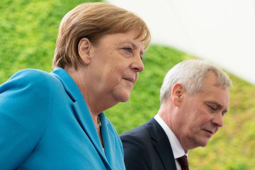 Saksan liittokansleri Angela Merkelin vapiseminen herätti jälleen huomiota, kun pääministeri Antti Rinne (sd.) tapasi hänet Berliinissä.