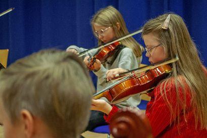 Joillekin lapsille instrumentin soittamisen innostajana on orkesteritoiminta, ja sen tietävät muun muassa 12-vuotias Inga ja 13-vuotias Saaga