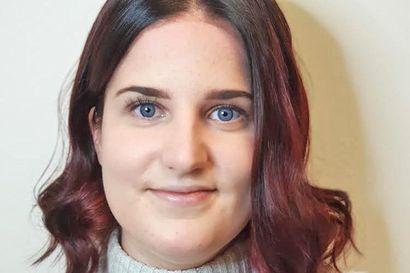 Pitkään pesäpallon parissa toiminut nuori pesäpalloilija jatkaa nyt vain tuomarina – Petra Matero yllättyi saamastaan tunnustuksesta