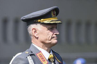 Puolustusvoimain komentaja varoittelee sorkkimasta hävittäjien aikataulua tai mittaluokkaa