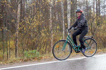 Pyörälenkki oli käydä kohtalokkaaksi – kypärä pelasti Pirkko-Liisan vakavilta seurauksilta