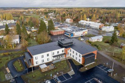 Juhannusruusun monimutkainen kuvio: Talon omistaa arvopaperiyhtiö EVLI, operoijana Attendo, vuokraajana Raahen kaupunki