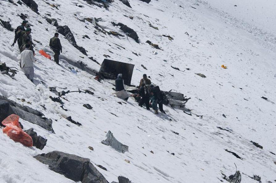 Vuonna 2010 Afganistanissa tapahtui vakava lentoturma, kun Pamir Airwaysin matkustajakone syöksyi maahan. Koneessa oli yhteensä yli 40 ihmistä, osa matkustajia ja osa miehistön jäseniä. Kaikki kuolivat turmassa.