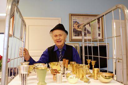 """88-vuotias Onni Kitti ei malta jäädä eläkkeelle – """"Teen romukauppaa päivittäin"""""""