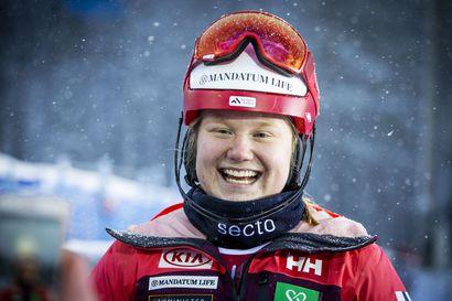 Rosa Pohjolaiselle ensimmäiset Eurooppa Cupin pisteet - Santa Claus Ski Teamin Elian Lehto juhli suurpujottelun voittoa Italiassa