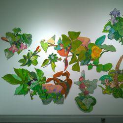 """Taidenäyttely pystyyn kesken sädehoitojen – melankolia on taiteilija Eeva-Kaisa Jakkilalle tajunnan tila ja luovuuden lähde: """"Ilman varjoa ei opi arvostamaan valoa"""""""
