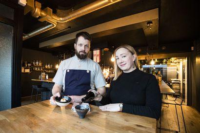 Suomalaisilla ja japanilaisilla mauilla on yllättäviä yhtäläisyyksiä – oululaisyrittäjät Jenny ja Jussi Kurkela valmistivat kolme annosta, joissa maistuvat molemmat