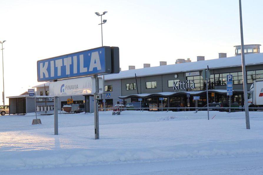 Valtiovarainministeriön asettama selvitysryhmä saapuu tänään Kittilään Lappiin kolmipäiväiselle vierailulle. Kuva Kittilän lentoasemalta.