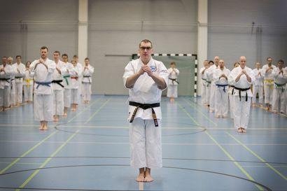 Itseä haastamassa karaten parissa