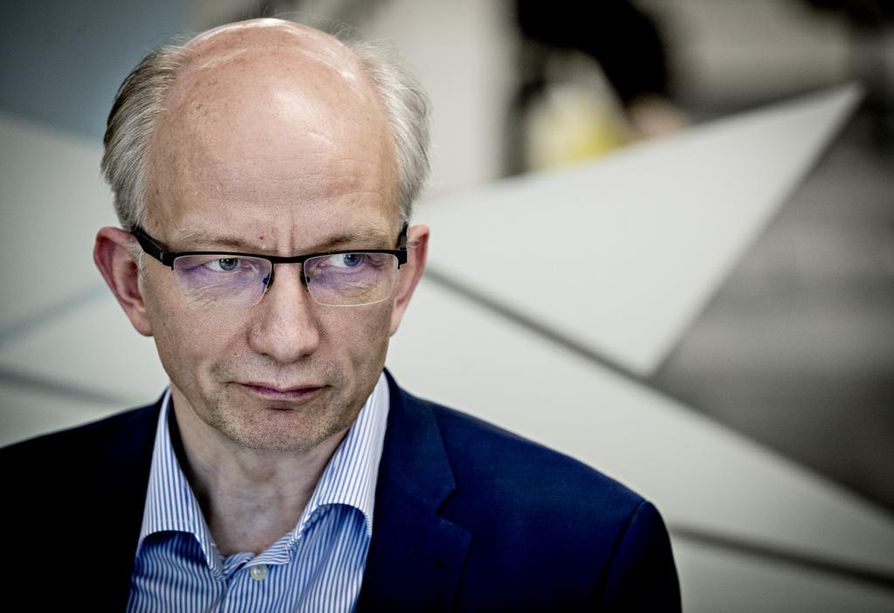 Stora Enson Veitsiluodon tehtaan johtaja Juha Mäkimattila vastaa nyt myös Oulun tehtaasta. Hänen edeltäjänsä Jari Kärkkäinen taas siirtyi Oulun tehtaalta johtajaksi konsernin Group Investments Energy -ryhmään.