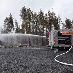 Näkökulma: Kalajoen jättipalo on aiheuttanut inhottavaa politikointia – jopa tuleva pormestari Juhana Vartiainen syyllistyi naurettavaan ehdotukseen Elokapinaa kohtaan