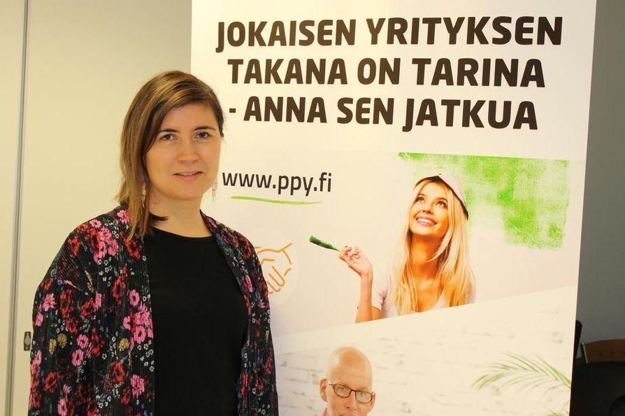 Paula Pihlajamaa korostaa, että yrityksen myynnissä täytyy antaa aikaa henkiselle puolelle. On tärkeää miettiä myös, mitä tekee yrityskaupan jälkeen, kun puhelin ei enää soikaan.