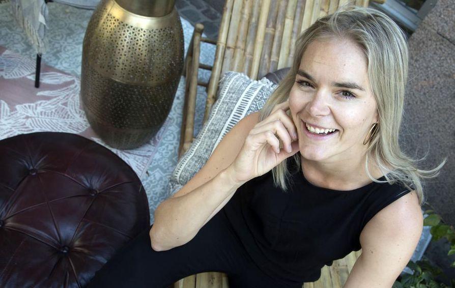Seksuaaliterapeutti Marja Kihlström on halunnut Puhu Muru -somekanaviensa kautta puhua ihmissuhteista ja seksuaalisuudesta paitsi terapeuttina, myös vertaistukea tarjoavana yksilönä. Puhu Muru -podcastin ensimmäisellä kaudella on pyritty miesvieraiden kanssa purkamaan sukupuoleen liittyviä stereotypioita.