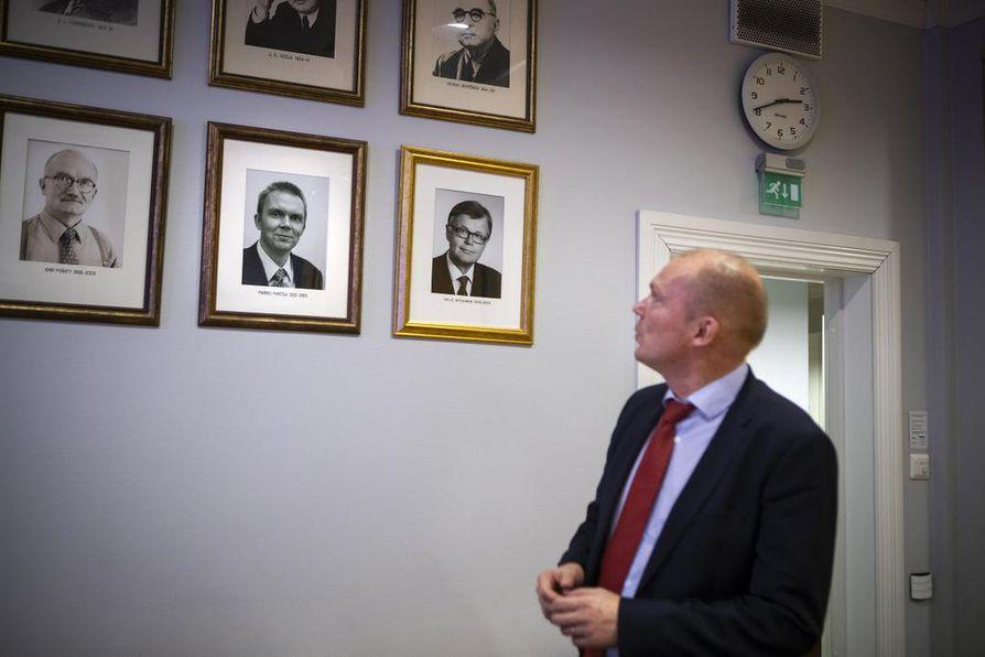 Markku Mantila on yksi ennalta tuttu nimi Pohjalaisen päätoimittajagalleriassa. Viimeisin päätoimittaja Toni Viljanmaa puuttuu kuvista.