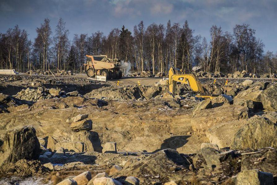 Urakat Fennovoiman ydinvoimalatyömaalla ovat viivästyneet.