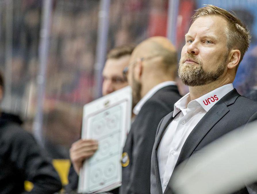Kärppien päävalmentaja Mikko Manner vertasi Kärppiä ja Tapparaa Rocky-elokuvan hahmoihin.