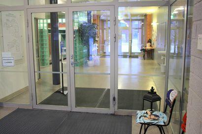 Taivalkoskella päätös tiistaina – Kuusamossa lukio-opetus jatkuu etänä ainakin 18:nteen tammikuuta asti, Posiolla ollaan lähiopetuksessa