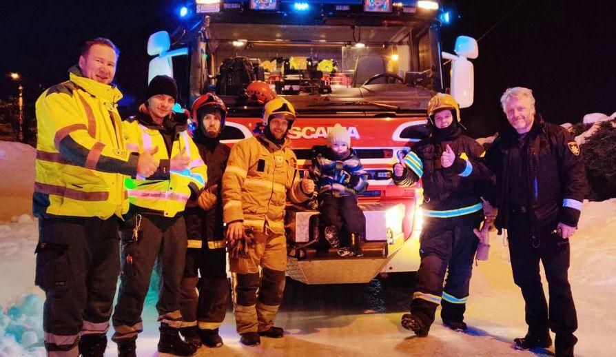 Kasperin kylmäpäisyys teki suuren vaikutuksen pelastustehtävissä paikalle kiiruhtaneisiin ensihoitajiin ja palomiehiin.