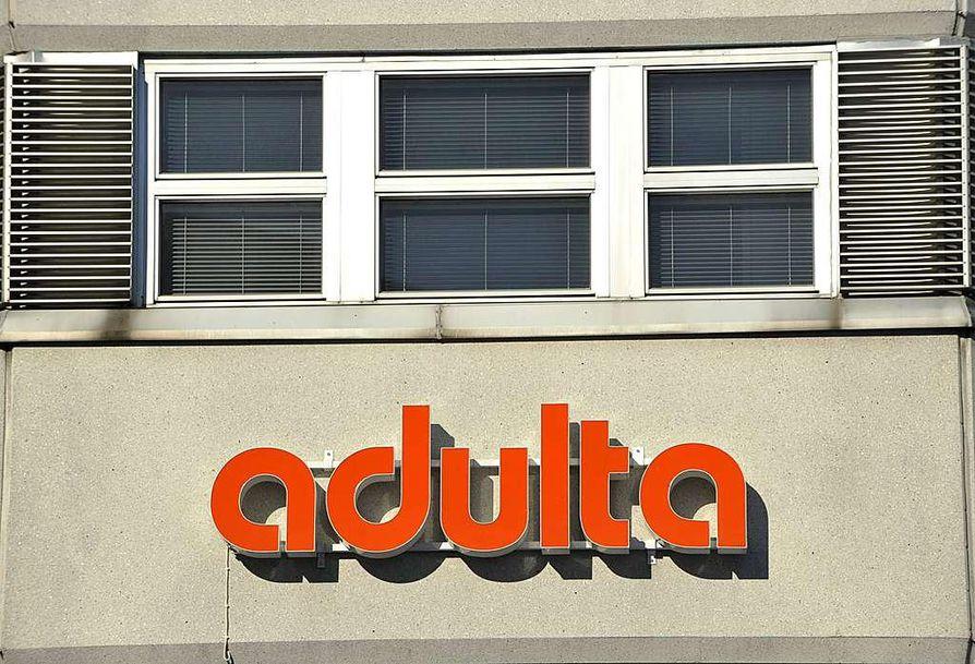 Adulta hakeutui konkurssiin