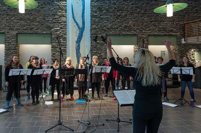 Vocaliisat tekee historiaa: Naiskuoro levyttää ortodoksista kirkkomusiikkia