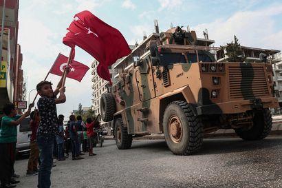 USA:n ja Turkin torstaina sopimaa tulitaukoa rikottiin jo? – Pohjois-Syyrian rajalla havaittiin savua ja pauketta
