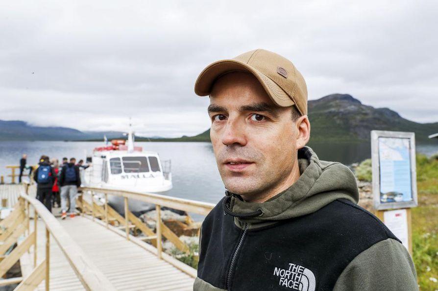 M/S Mallaa ajava Markus Mannela kertoo, että matkailu on kilpisjärveläisille elinehto.
