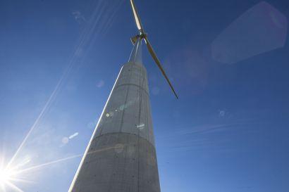 Siikajoen kunnan johtamisesta ja tuulivoimaloista