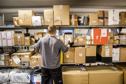 """Huippusuosittu  ja palkittu Disturb-verkkokauppa Keminmaasta huolissaan postilakosta: """"Nyt pitäisi tehdä vuoden parasta tulosta"""""""