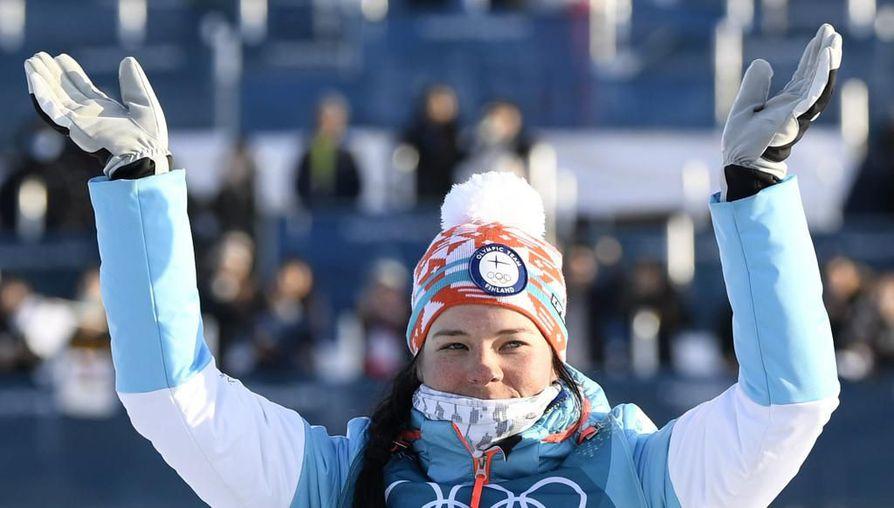 Krista Pärmäkoski tuuletti hopeamitalia sunnuntaina Etelä-Koreassa.
