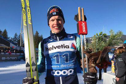Kläbo johtaa Bolshunovia sekunnilla Tour de Skillä, Niskanen viidentenä ennen päätösetappia