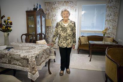 """Satavuotias oululainen Eila Viiri nousee joka aamu ylös kiitollisena uudesta päivästä –""""Elämässä pitää olla iloa ja mielekästä tekemistä"""""""