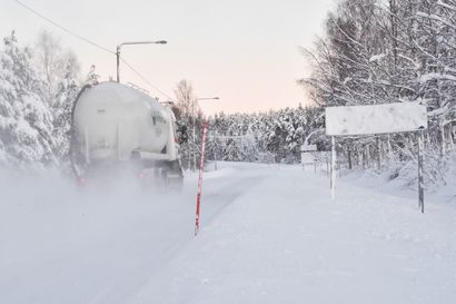 Tuliko lunta jo ennätysmäärä? Ainakin aura-autoilla pitää kiirettä