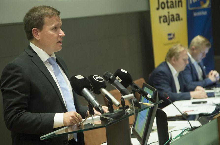 Perussuomalaisten eduskuntaryhmän puheenjohtajan Ville Tavion mukaan puolue valmistautuu esittämään hallitukselle oman epäluottamusesityksen.