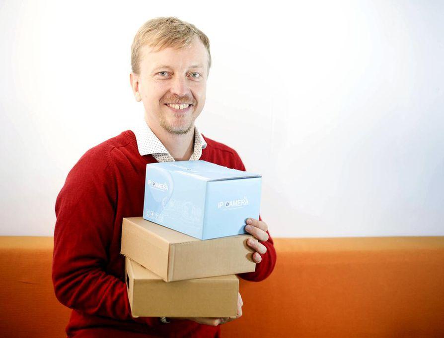 Ville Majasen johtamalle verkkokaupalle, joka toimii Suomessa ja Kiinassa, PostNordin Ruotsissa käyttöön ottama ei-standardimuotoisten lähetysten seitsemän euron suuruinen lisämaksu on merkinnyt vain plussaa. Suomesta länsinaapuriin suuntautuva myynti on selvästi lisääntynyt.