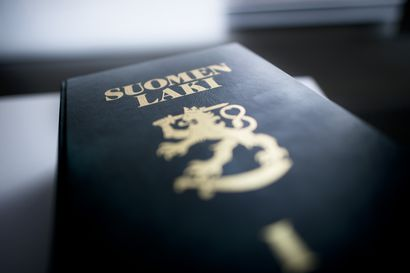 Supon ex-työntekijälle sakkotuomio virkavelvollisuuden rikkomisesta – Teki perusteettomia hakuja ja hyödynsi aineistoa kirjassaan